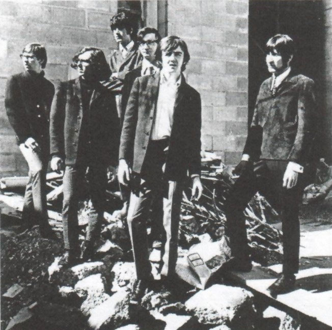 Later photo of the Amen with six members