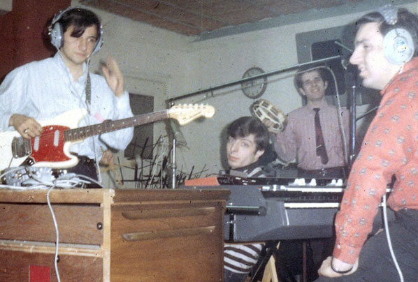 "Jerry, Joe S, Freddie, Joe L in studio during ""Reach Out"" session."