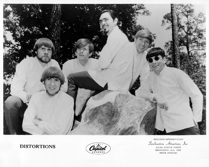 Distortions, Capitol promo shot, 1968: Roy Alexander, Roy Zachary, Bobby Marlin, Steve Salord, Dale Aston and George Landman