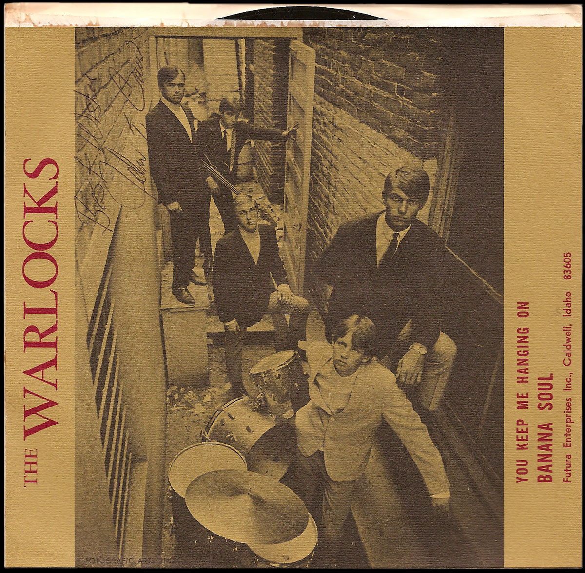 The Warlocks photo on their NWI 45 sleeve, from front to back: Mark Lanfear (drums), Jerry Sloan, Jon Anderson, John Crew and Steve Messuri (with bass)