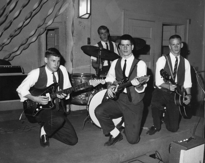 The Ramblers of Birmingham, Highland County Club, December 1961. Van Veenschoten, Tommy Terrell and Eddie Terrell; in back Johnny Robinson on drums