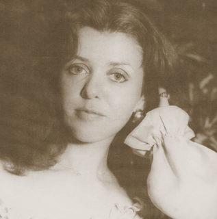 Gloria Jean Megee songbird photo