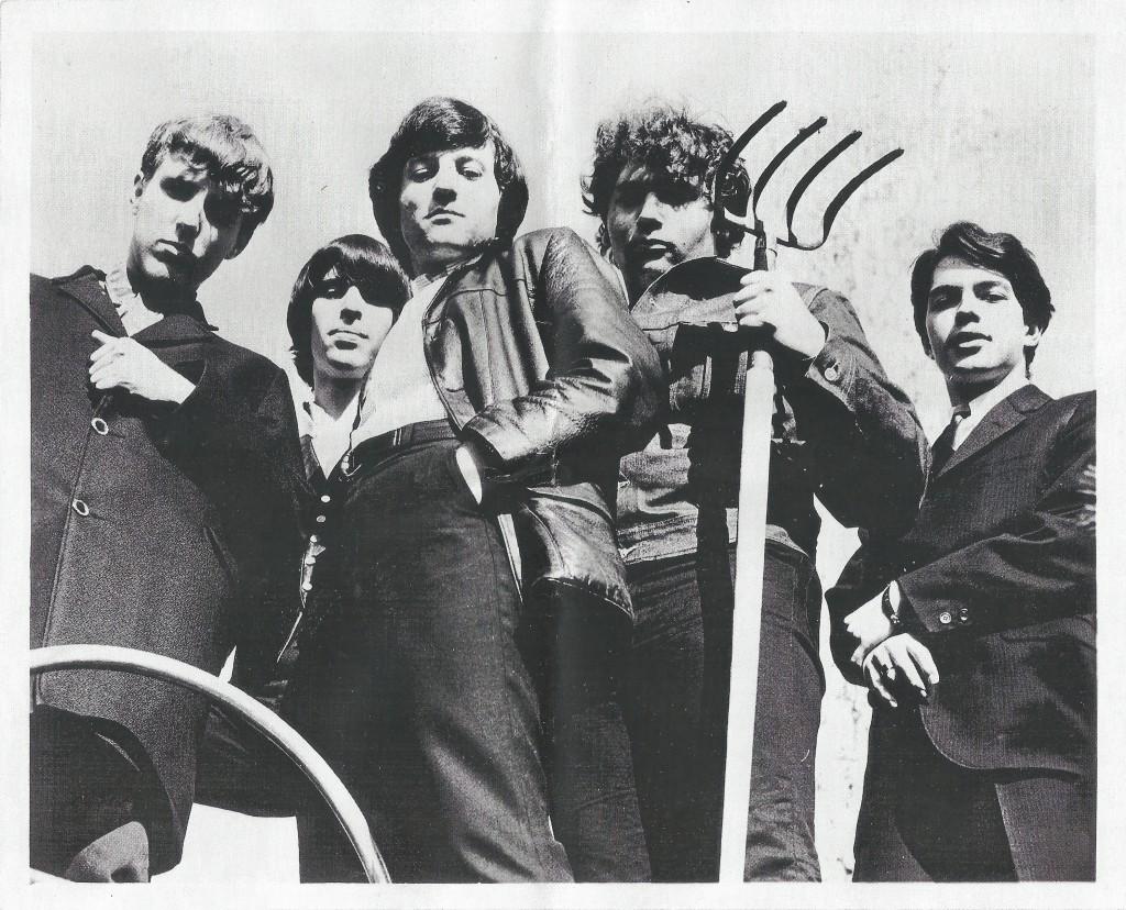 Myddle Class Pitchfork Photo