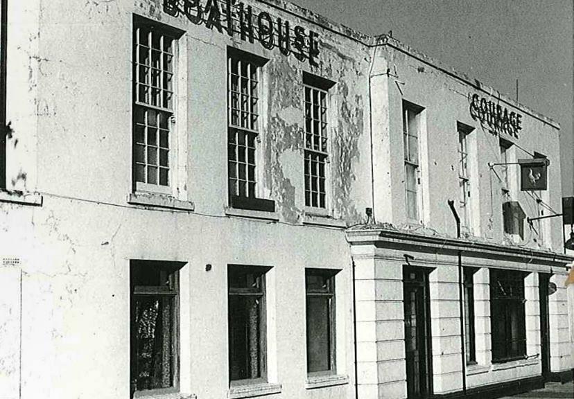 Kew Boathouse club