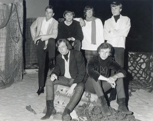 The East Side Kids at the Sea Witch, 1966