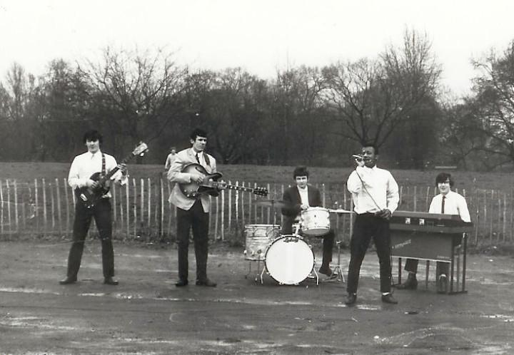 Simon K & The Meantimers, circa spring 1967. Photo: Michael Armes
