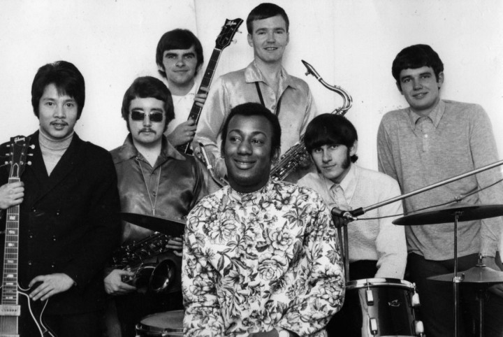Simon K & The Meantimers, late 1967. Left to right: George Teo, Brent Carter (shades), Mick Glyde, Kenny Simon, Alan Wherry, unknown organist, Tony Glyde. Ken Hendy is not pictured. Photo: Alan Wherry