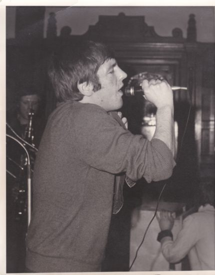 Singer Alan Ray at the Railway Hotel