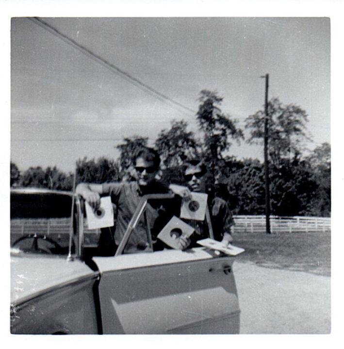 Ronnie & the Sinsashuns photo records